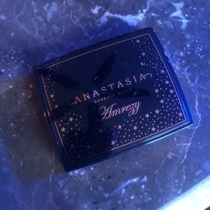 Amrezy Highlighter by Anastasia Beverly Hills
